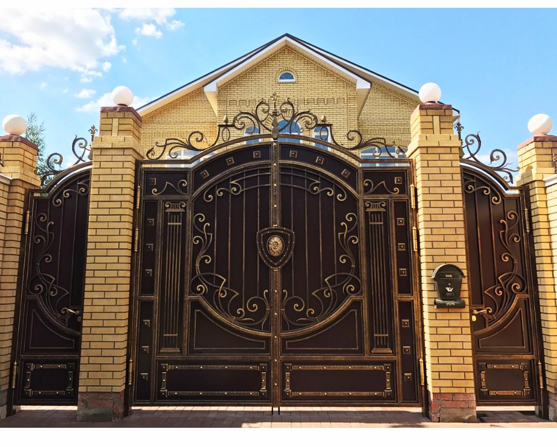 Оригинальные кованые ворота фото