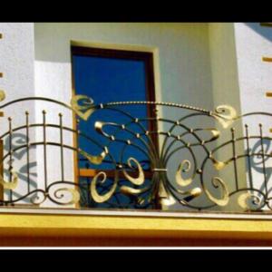 Кованые балконы Б23