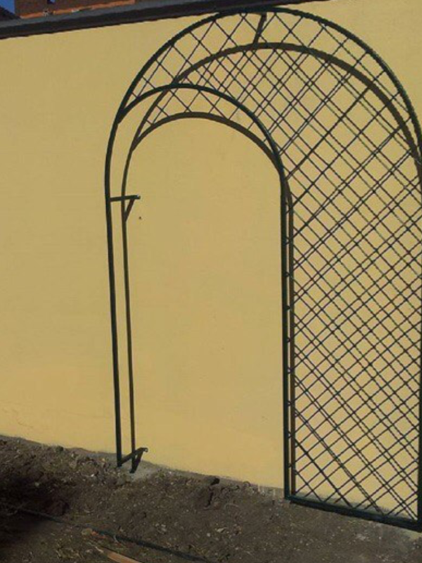 Кованая садовая арка А-5