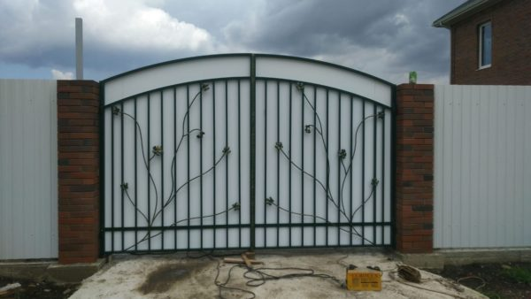 Кованые ворота V-129
