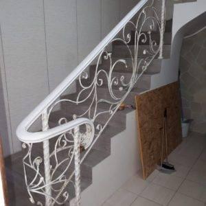 Кованые перила для балкона, лестниц, крыльца